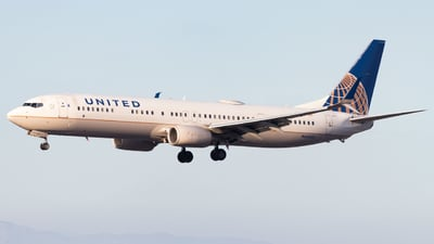 A picture of N66825 - Boeing 737924(ER) - United Airlines - © Davin Amy