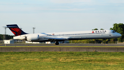 N912DN - McDonnell Douglas MD-90-30 - Delta Air Lines