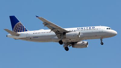 N453UA - Airbus A320-232 - United Airlines