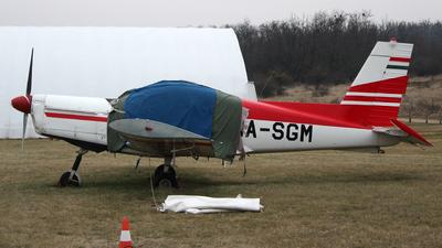 HA-SGM - Zlin 142 - Private