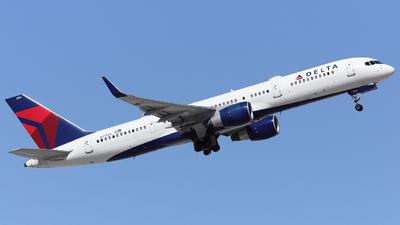 N711ZX - Boeing 757-231 - Delta Air Lines