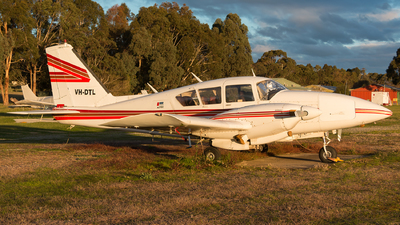 VH-DTL - Piper PA-23-250 Aztec - Private