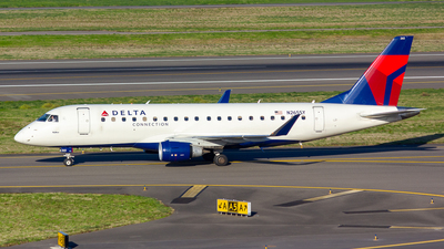 A picture of N265SY - Embraer E175LR - Delta Air Lines - © Jay Cassady