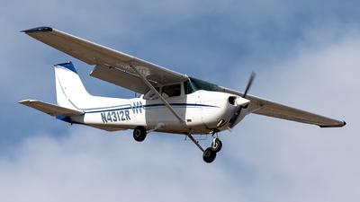 A picture of N4312R - Cessna 172M Skyhawk - [17263065] - © CJMoeser