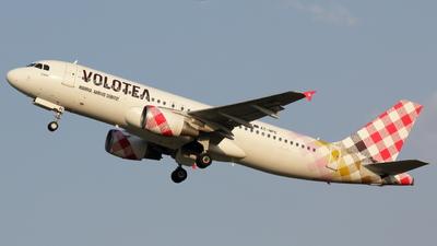 EC-NPC - Airbus A320-214 - Volotea