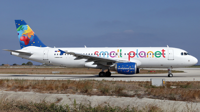D-ASPK - Airbus A320-214 - Small Planet Airlines Germany