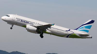 HL8066 - Airbus A320-232 - Air Busan