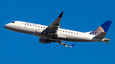 A picture of N113SY - Embraer E175LR - United Airlines - © Brandon Giacomin