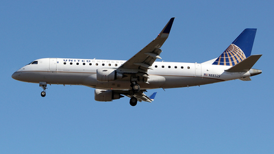 A picture of N88325 - Embraer E175LR - United Airlines - © toyo_69pr