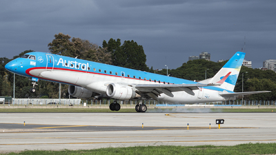A picture of LVCHQ - Embraer E190AR - Aerolineas Argentinas - © Ezequiel Catalano