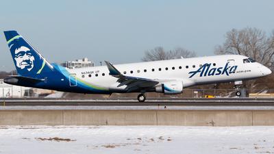 A picture of N636QX - Embraer E175LR - Alaska Airlines - © Alec Mollenhauer