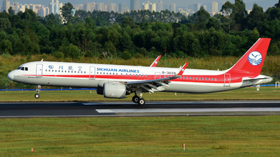 A picture of B302Q - Airbus A321271N - Sichuan Airlines - © F3E1988