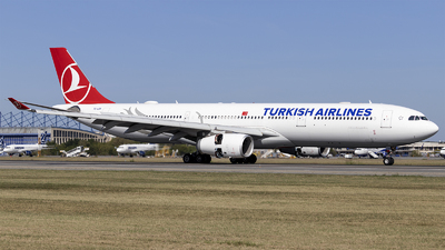 A picture of TCLOA - Airbus A330343 - Turkish Airlines - © Loredana Cioclei