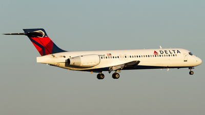 N896AT - Boeing 717-2BD - Delta Air Lines