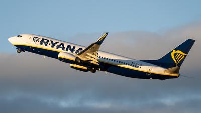 A picture of EIENR - Boeing 7378AS - Ryanair - © Thomas Ranner
