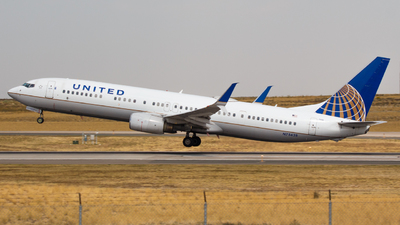A picture of N75428 - Boeing 737924(ER) - United Airlines - © Tyler Chan