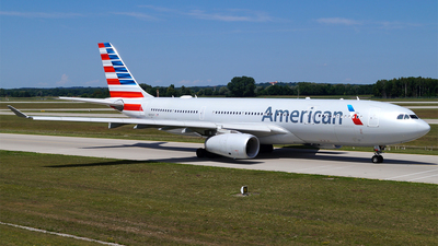 N290AY - Airbus A330-243 - American Airlines