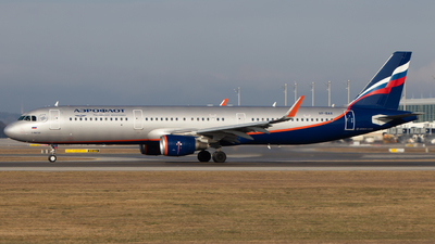 A picture of VPBAX - Airbus A321211 - Aeroflot - © Tim Donell
