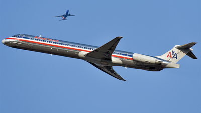 N7547A - McDonnell Douglas MD-82 - American Airlines