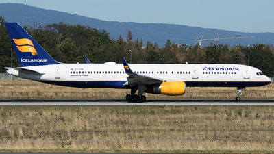 A picture of TFFIN - Boeing 757208 - Icelandair - © Stefan Bayer