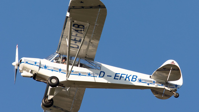 D-EFKB - Piper L-21B Super Cub - Private