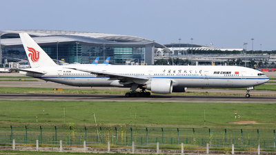 A picture of B2036 - Boeing 77739L(ER) - Air China - © nibrage