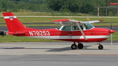 A picture of N78253 - Cessna 172K Skyhawk - [17257546] - © Tomás Cubero Maingot - SJO Spotter
