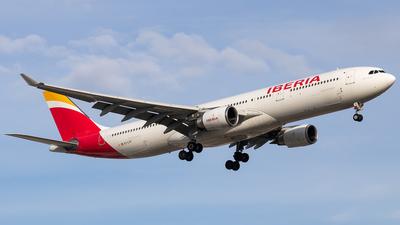 EC-LYF - Airbus A330-302 - Iberia