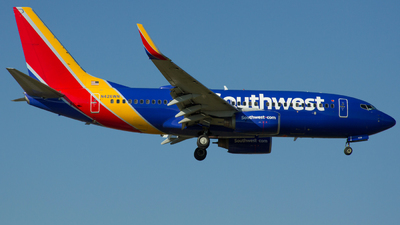 A picture of N426WN - Boeing 7377H4 - Southwest Airlines - © Johan S. Gomez