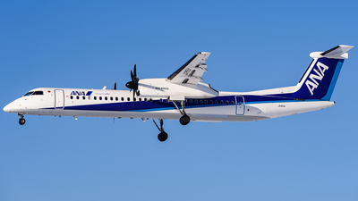 JA851A - Bombardier Dash 8-Q402 - ANA Wings