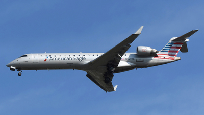 A picture of N509AE - Mitsubishi CRJ701ER - American Airlines - © DJ Reed - OPShots Photo Team