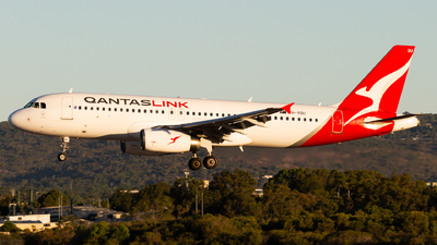 VH-VQU - Airbus A320-232 - QantasLink (Network Aviation)