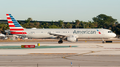 A picture of N176UW - Airbus A321211 - American Airlines - © Mark Lawrence