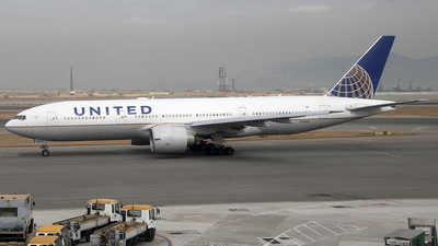 N78009 - Boeing 777-224(ER) - United Airlines