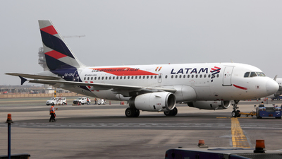 A picture of CCCPO - Airbus A319132 - LATAM Airlines - © Juan Manuel Temoche - SPJC Spotter