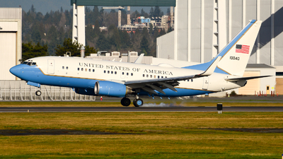 01-0040 - Boeing C-40B - United States - US Air Force (USAF)