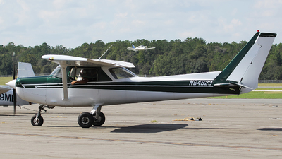 N64823 - Cessna 152 - Ocala Aviation Services