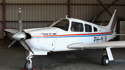 PH-MJB - Piper PA-28R-201 Arrow III - Partim Air