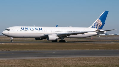 N660UA - Boeing 767-322(ER) - United Airlines