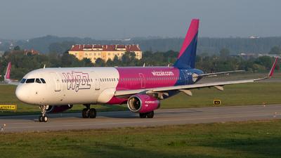A picture of HALXA - Airbus A321231 - Wizz Air - © Filip Danielczyk