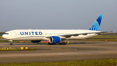 A picture of N2250U - Boeing 777300(ER) - United Airlines - © AMG_HouZeKai