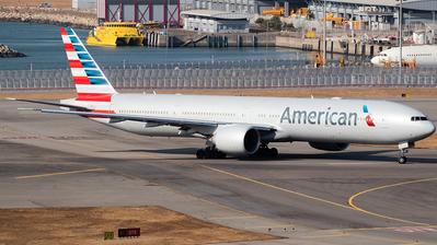 N729AN - Boeing 777-323ER - American Airlines