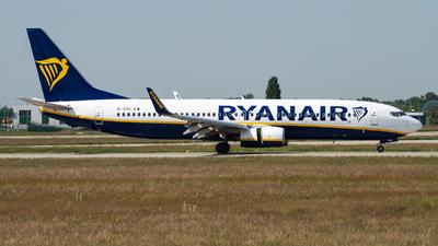 A picture of EIEVH - Boeing 7378AS - Ryanair - © Debregabor