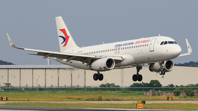 B-1678 - Airbus A320-232 - China Eastern Airlines