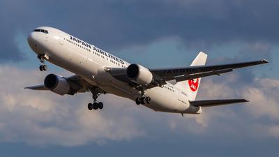 JA8986 - Boeing 767-346 - Japan Airlines (JAL)