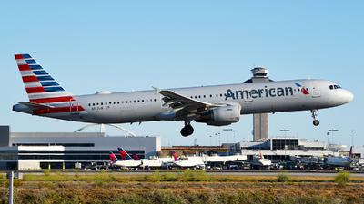 N192UW - Airbus A321-211 - American Airlines