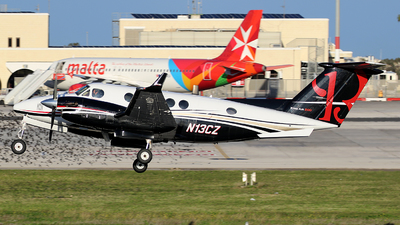 N13CZ - Beechcraft B200 Super King Air - Private