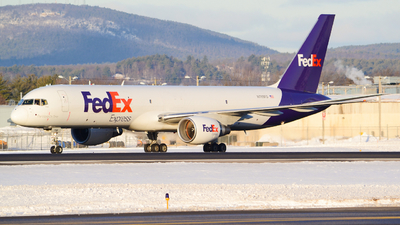 A picture of N789FD - Boeing 757222(SF) - FedEx - © Jake Sevigny - kmht.jake