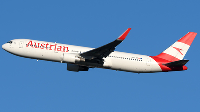 A picture of OELAW - Boeing 7673Z9(ER) - Austrian Airlines - © Matt Lino