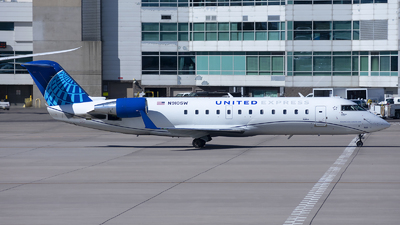 A picture of N910SW - Mitsubishi CRJ200LR - United Airlines - © Michael Rodeback